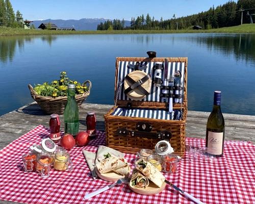 Ein Veggie Picknickkorb auf der Simonhöhe